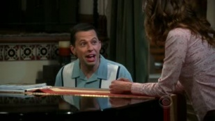 Two and a Half Men 08x05 : The Immortal Mr. Billy Joel- Seriesaddict
